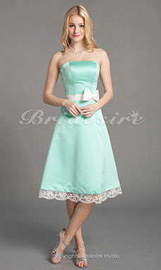 A-Lijn Satijn Kant Knielengte Strapless Bridesmaid/ Homecoming-jurk
