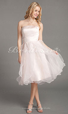 A-Lijn Organza Over Satijn Knielengte Strapless Bridesmaid/ Wedding Party Kleding