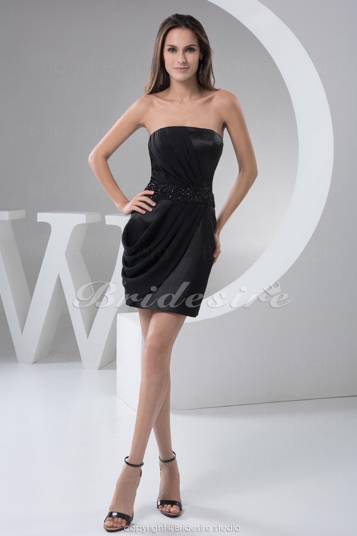 38eae8e1022546 Bridesire - Schede Kolom Strapless Korte broek   Mini Mouwloos Chiffon Satijn  Kleding  BD4914  - €67.77   Bridesire