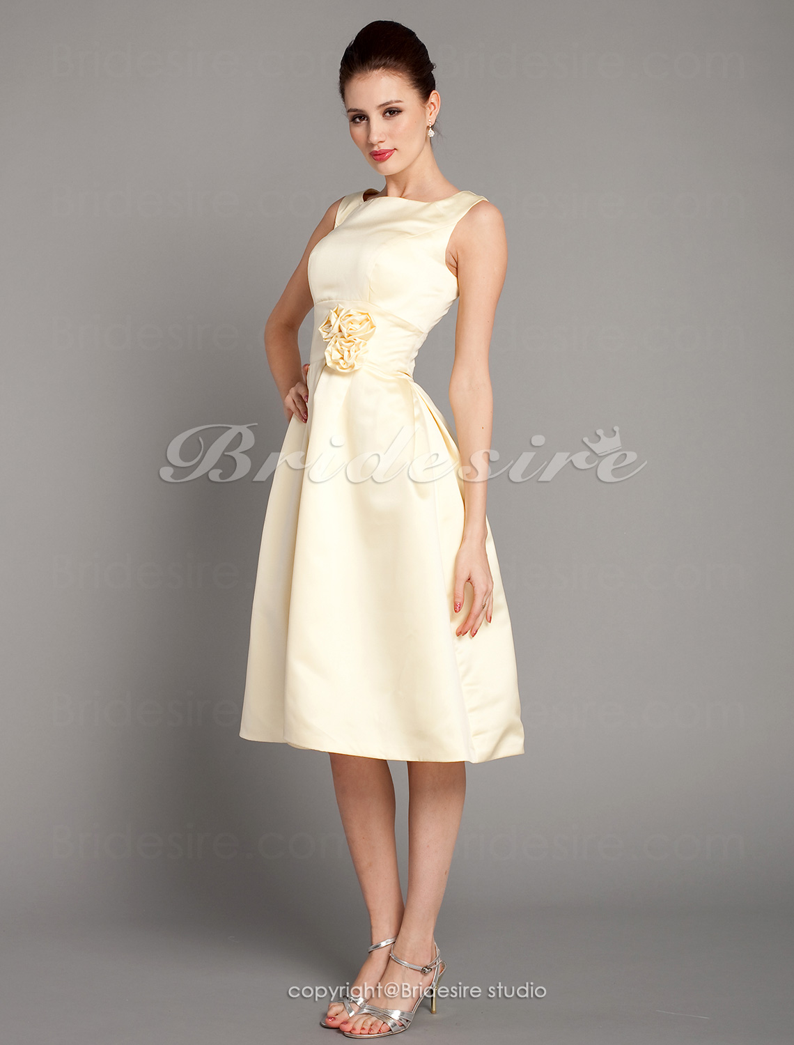 A-Lijn Knielengte Satijn Vierkant Bridesmaid/ Wedding Party Kleding