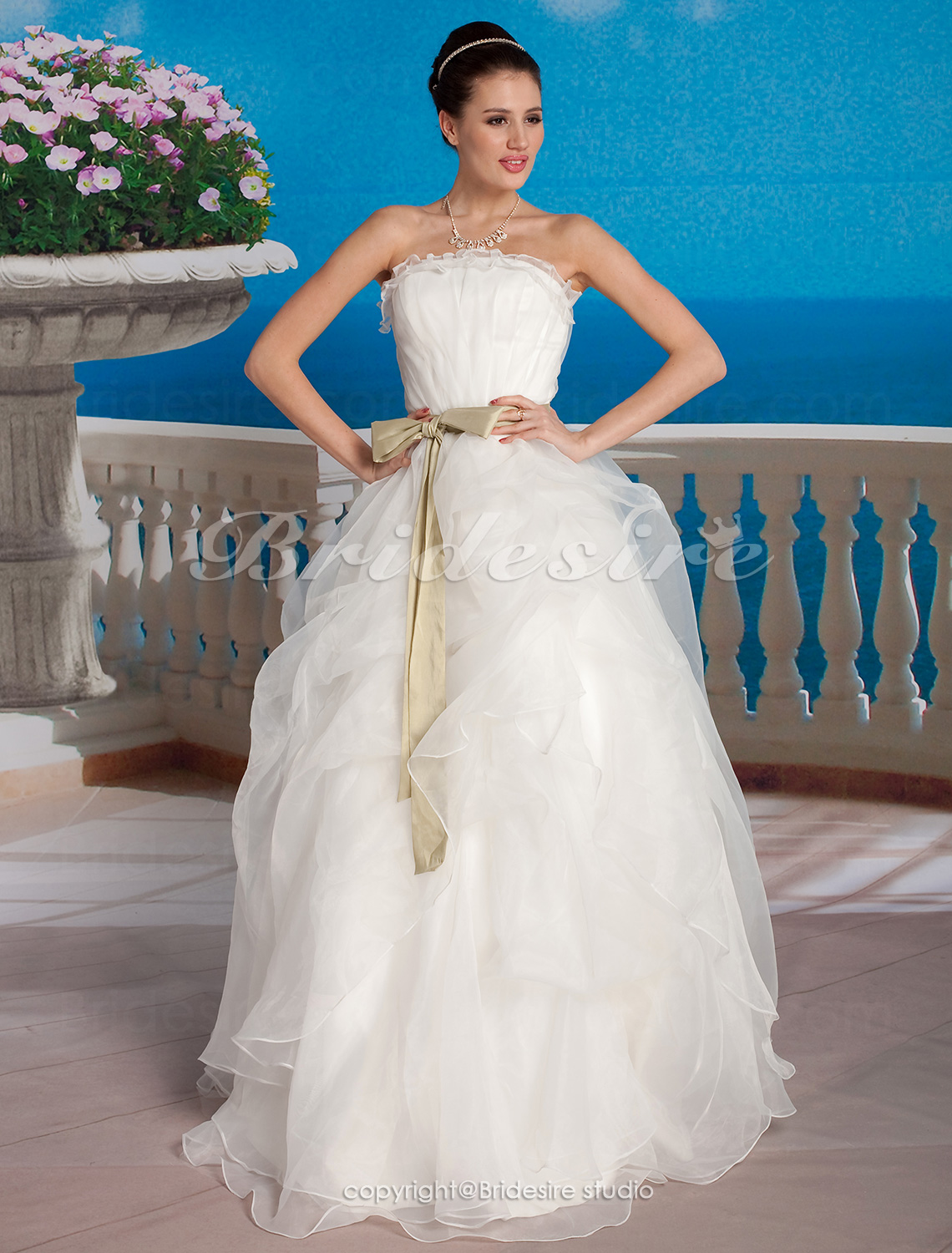 Tule Vloer Lengte Strapless With Sashes
